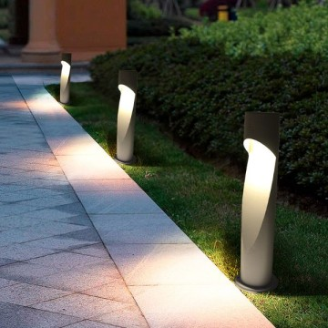 CROIX OUTDOOR GREY GARDEN LAWN BOLLARD LAMP