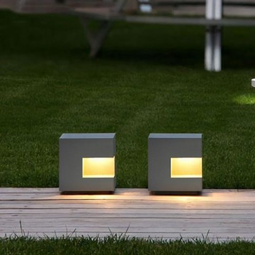 FREDERIC DESIGNER OUTDOOR CORRIDOR STEP BOLLARD LIGHT (DIRECT/ SOLAR)